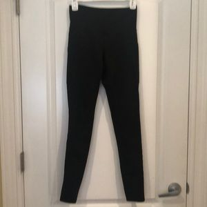 Black high waisted dual side pocket workout pants